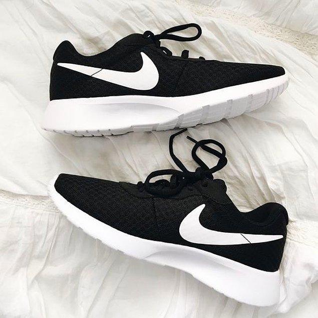 11. Nike koşu ayakkabıları son zamanların en iyi modeller arasında yer alırken, aynı zaman kullananlardan tam not almaya devam ediyor.
