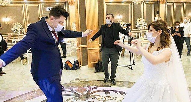 8. Düğünde eğlenceye katılmayanları terörize etmeyin. Oynamayı sevmeyenler olabilir, o gün iyi bir gün geçirmiyor bile olabilirler.