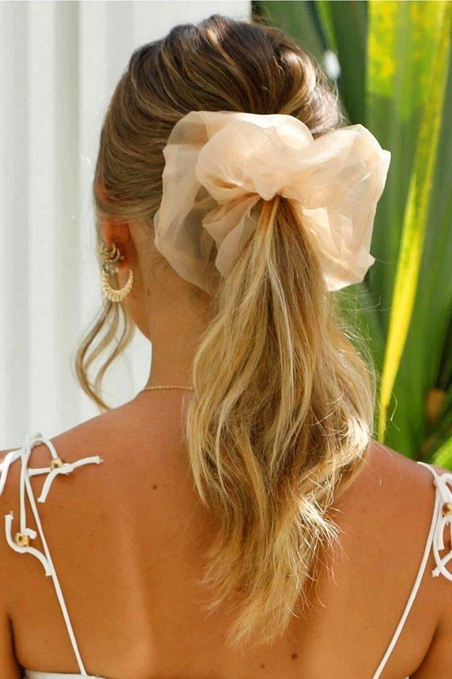 5. Toplu saç kullanmayı sevenler için en moda toka modellerini bir araya getirdik.