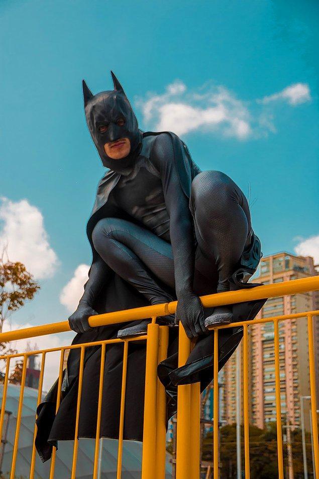 6. Batman olmaya çalışırken yere çakılmak