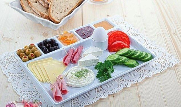 1. Kahvaltı karmaşasını bitiren tabak.