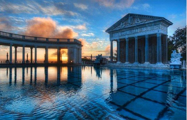 3. Neptün Havuzu, Hearst Kalesi – San Simeone, California