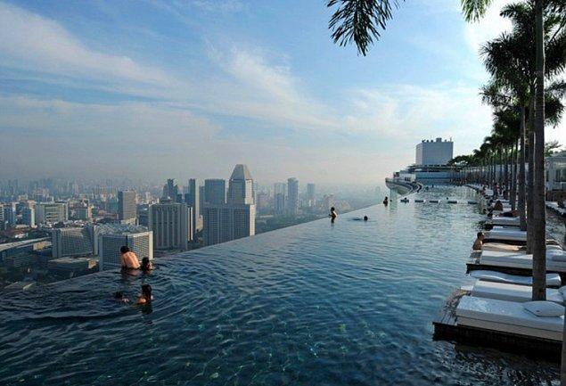 4. Sky Park Havuzu, Singapur