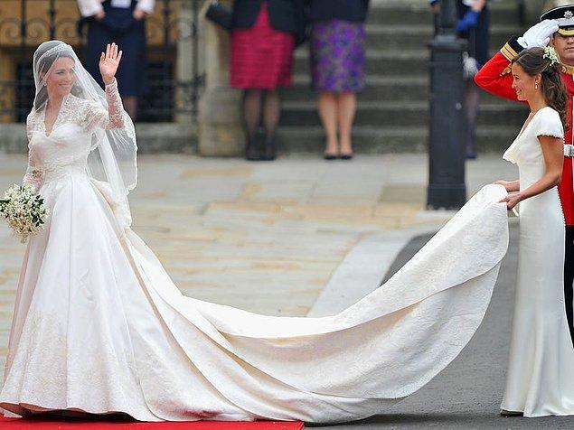 2. Kate Middleton'un gelinliği.