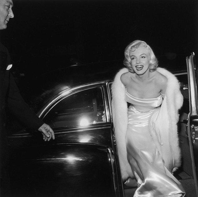 11. Marilyn Monroe'nun kürk şalı.