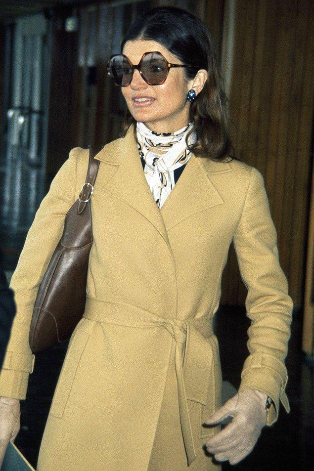 23. Jackie Kennedy'nin büyük güneş gözlüğü.