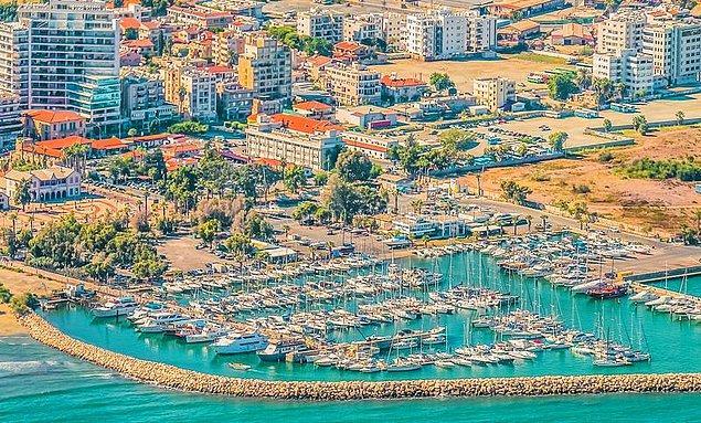 9. Kıbrıs Rum Kesimi - 41,2 saat