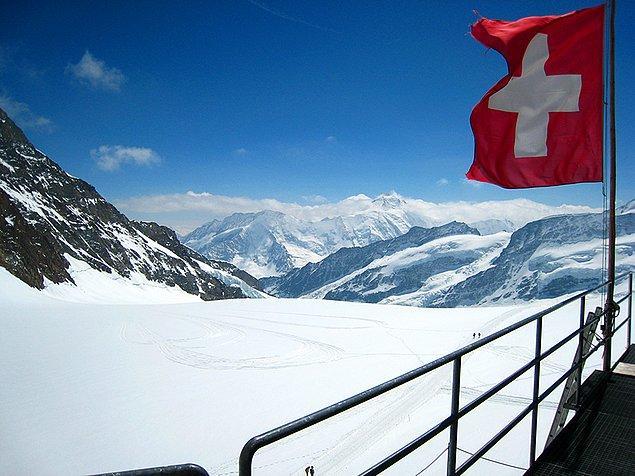 6. İsviçre - 42,7 saat