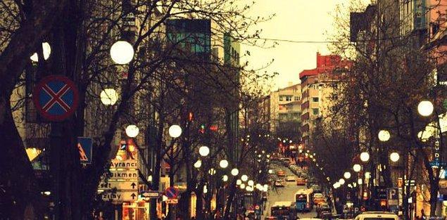 Ya da Kızılay'dan Tunalı'ya yürümenin hazzını sadece Ankaralılar bilir.