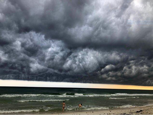 12. Fırtınanın gelişini yakalamışlar ve ortaya böyle bir görüntü çıkmış.