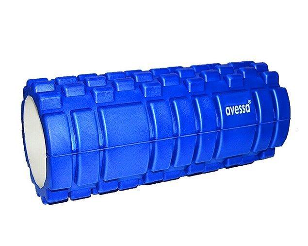 17. Daha sağlıklı egzersiz yapabilmek için yüzeyi 3 boyutlu foam roller egzersiz aleti.