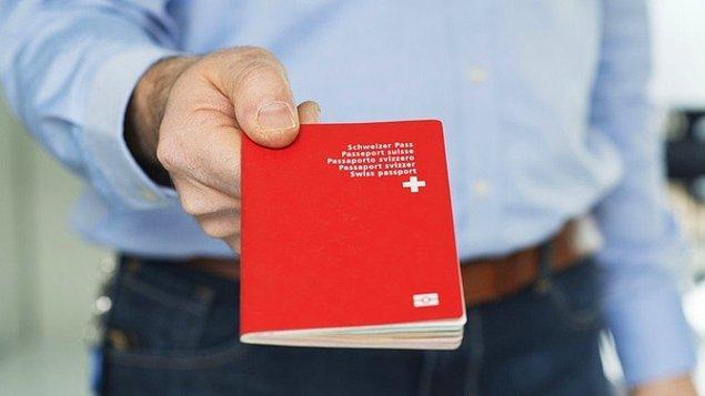 25. İsviçre vatandaşlığına başvurmak için İsviçre'de en az 12 yıl yaşamanız gerekir.