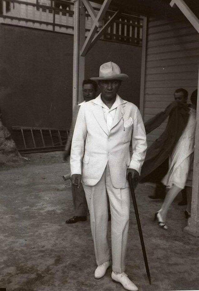 1. Lafı daha fazla uzatmadan sizi Mustafa Kemal'in az bilinen fotoğraflarıyla baş başa bırakıyoruz... ❤️