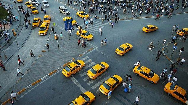 Biliyorsunuz ki Türkiye'nin en kalabalık şehri olan İstanbul'da çok uzun bir zamandır taksi problemi yaşanıyor.