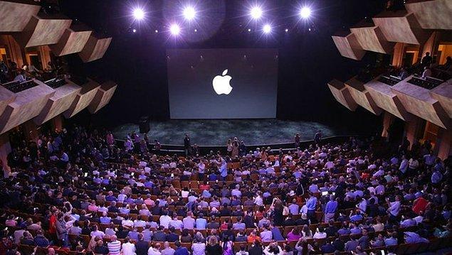 Bildiğiniz gibi, Apple'ın önümüzdeki haftalarda yeni iPhone serisini tanıtması bekleniyor. Ancak, medyaya sızan bazı bilgilere göre yeni iPhone'lar özelliklerinden ziyade fiyatlarıyla konuşulacak gibi...