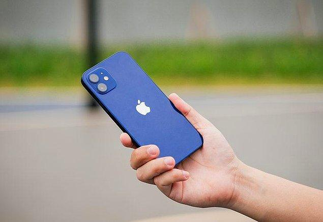 iPhone 13 4 GB RAM