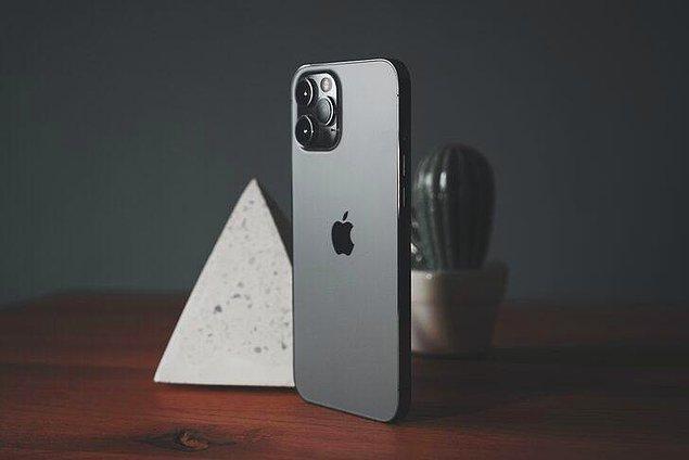 Ancak, Apple'ın ilk kez 1 TB'lık bir sürümle piyasaya süreceği üst sınıf iPhone 13 Pro ve 13 Pro Max'in Türkiye fiyatlandırmasının ise oldukça yüksek olacağını söylemek mümkün...
