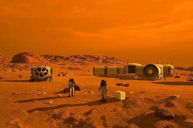 NASA uzmanları dahil pek çok kesim, Dünya dışındaki bir yerde kalıcı olarak yaşamak için o bölgenin yeryüzünde yerleşim yeri kurulması gerektiğini vurguluyor.