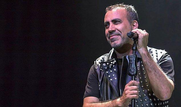 Haluk Levent, 26 Kasım 1968 tarihinde Adana'nın Yüreğir ilçesinde dünyaya gelmiş.