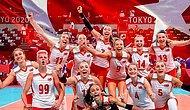 Polonya'yı 3-0 Yenerek 7 Maç Üst Üste Kazanan Filenin Sultanları, Galibiyet Sonrası İzmir Marşı Söyledi