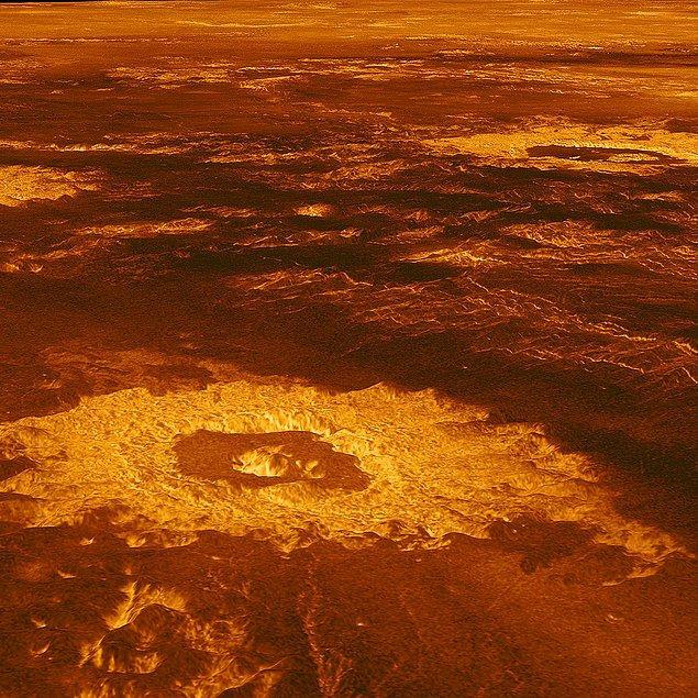 Venüs (Ay başında Başak son hafta ise Terazi takımyıldızında)