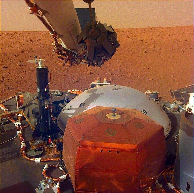 Mars (Ay başında Aslan daha sonra ise Başak takımyıldızında)