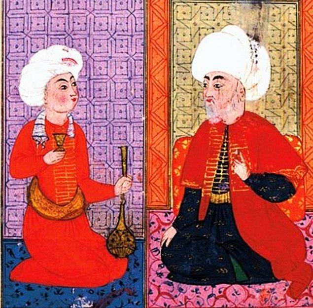 Cami, medrese ve türbeden oluşan Şemsi Paşa Külliyesi'nin kurucusu eski Şam Beylerbeyi Vezir Şemsi Ahmet Paşa'dır. Koca Sinan'ın 1580'de yaptığı külliye 1894'teki depremde zarar görür.