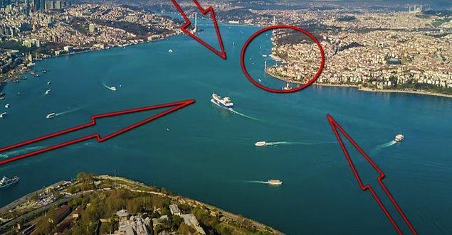 Mimar Sinan, Üsküdar'da öyle bir yer bulur ki burası İstanbul Boğazı'nın Marmara'ya açıldığı bir nokta olup karşısında Galata Köprüsü ve Haliç uzanır.