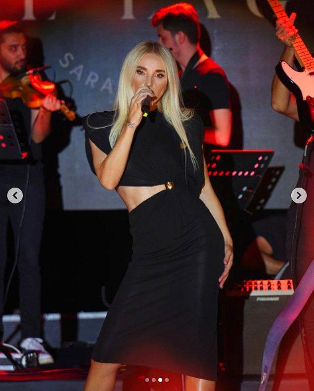 Sapanca konserinde giydiği şu elbise... Ah kalbim! 😍