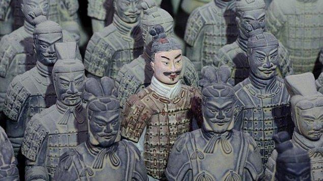 1. Shi Huang Türbesi (Çin)