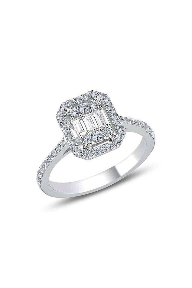 7. Baget taşlı gümüş yüzüğün fiyatı 372 TL yerine şu anda 59 TL!