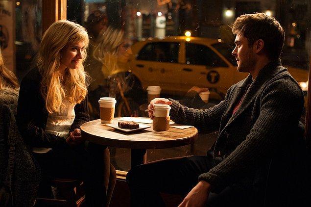 """9. """"İnternetten tanıştığım bir adamla kahve içmeye gittik. Buluşmaya 10 dakika geç geldi, sonra da kahveleri öderken tuhaf anlar yaşadık."""""""