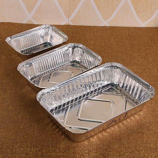 3. Fırın tepsisi veya kabı gibi şeylerin nadir olması evde yemek yapmama alışkanlığının bir sonucu.