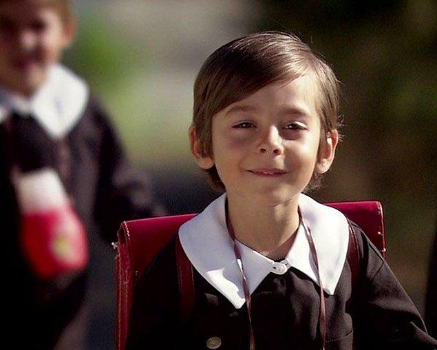 Tüm Türkiye onu Öyle Bir Geçer Zaman ki dizisinin minik Osman'ı olarak tanıdı...