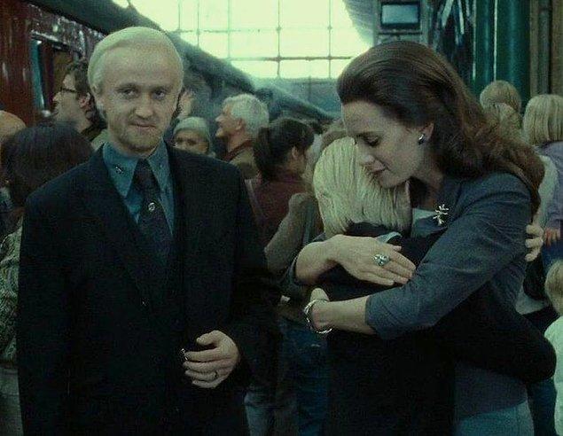 13. 'Harry Potter' serisinin son filminde Draco Malfoy'un eşini oynayan Jade Olivia, gerçek hayatta da Draco'yu canlandıran Tom Felton'ın kız arkadaşıymış.