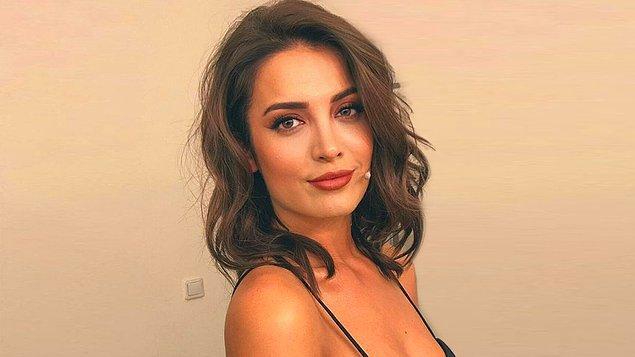İrem Sak'ı aranızda artık tanımayan kalmamıştır diye düşünüyoruz. Başarılı oyunculuk performansıyla hepimizin gönlünü fetheden Sak, aynı zamanda Türkiye'nin en çok beğenilen kadınlarından biri.