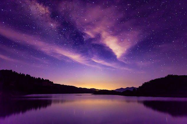 2. Güney Çin Dağlarından bakıldığında sanki tüm evren ayaklarının altında!