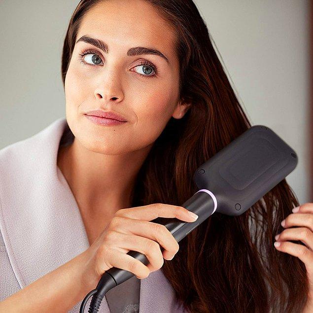 11. Philips saç düzleştirici tarağın 3 sıcaklık seviyesi var. Saçları kabartmadan doğal görünümle şekillendirmek isteyenler için ideal.