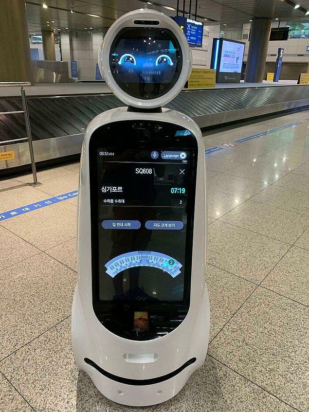 11. Incheon Havaalanı'nda dolaşan bu robotlar, uçuş bilgileriniz gibi konularda size yardımcı oluyor.