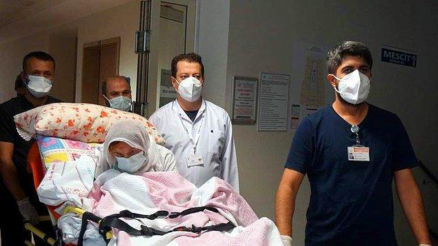 Özdemir, doktor ve personelin nezaretinde alkışlar eşliğinde hastaneden uğurlandı.