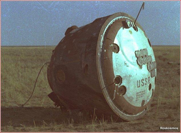 Kazakistan uzay üssüne doğru yolculuğa çıkan Soyuz 11 gerçekten de gökyüzünde belirdi ve hiçbir sorun yaşamadan yeryüzüne indi, fakat bir sorun vardı.