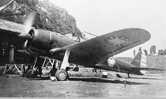 1. İkinci Dünya Savaşı'nda, Japonya Çin'i bubonik veba bulaşmış pirelerle bombaladı.