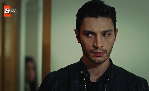 Kendisi en çok tanındığı işlerden biri olan 'Eşkıya Dünyaya Hükümdar Olmaz' dizisinde ise 'Erman Façalı' karakterine hayat vermiş.