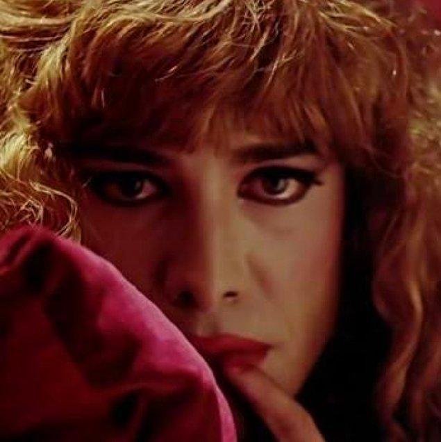 Daha önce filmlerde bir komedi ve eğlence unsuru olarak yer alan trans birey karakteri, ilk defa bu filmde gerçekliğiyle ele alınmış bir başroldür.