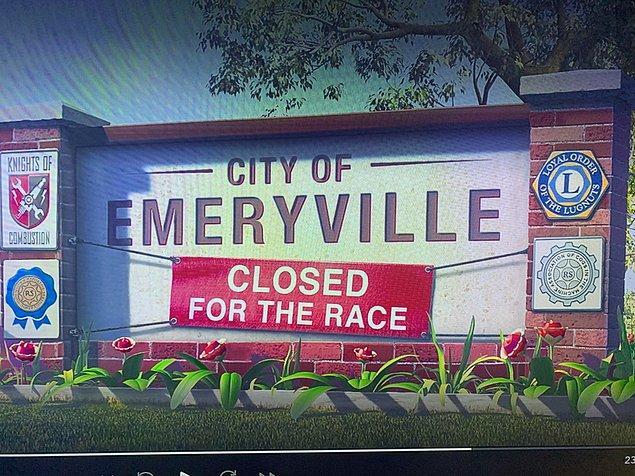 6. Arabalar (2006) filminde yarış için kapatılan Emeryville, Pixar stüdyosunun gerçekten bulunduğu yerdir.