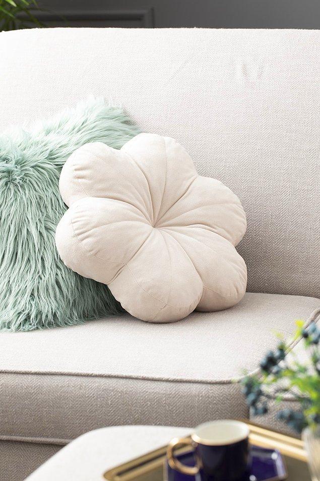 Yaşam alanınızı şirin yastık kılıfları ile sıcak bir yuva haline getirebilirsiniz.