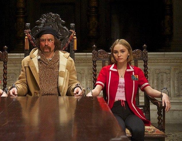 11. En ünlü baba-kız ikililerinden Johnny Depp ve Lily-Rose Depp 'Yoga Hosers' isimli filmde beraber boy gösterdiler.