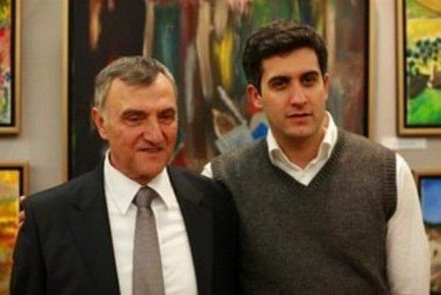 4. 'Kara Melek' dizisinde Mustafa Alabora, kendisi gibi başarılı bir oyuncu olan oğlu Mehmet Ali Alabora ile beraber kamera karşısına geçti.