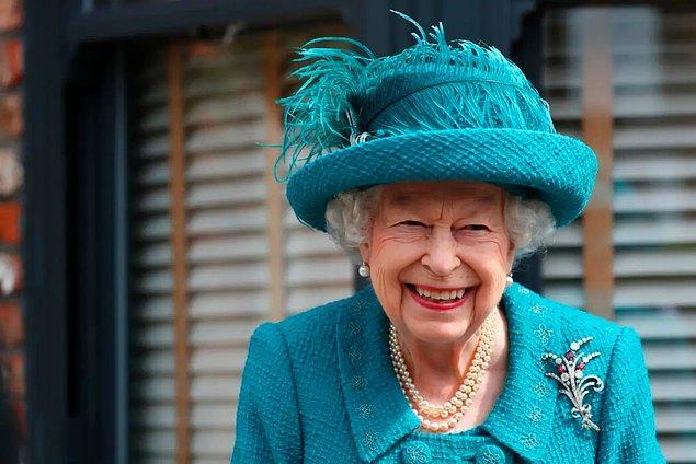 E tabi bu noktada Kraliçe Elizabeth'in cenazesinin daha karmaşık prosedürlerden oluşacağını da belirtmemiz gerekiyor.