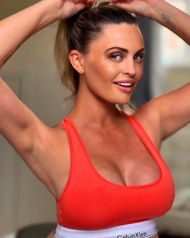 Tanımayanlarınız için Carla Belluci, OnlyFans'ta yaptığı paylaşımlar ile popüler olan 39 yaşında bir fenomen.